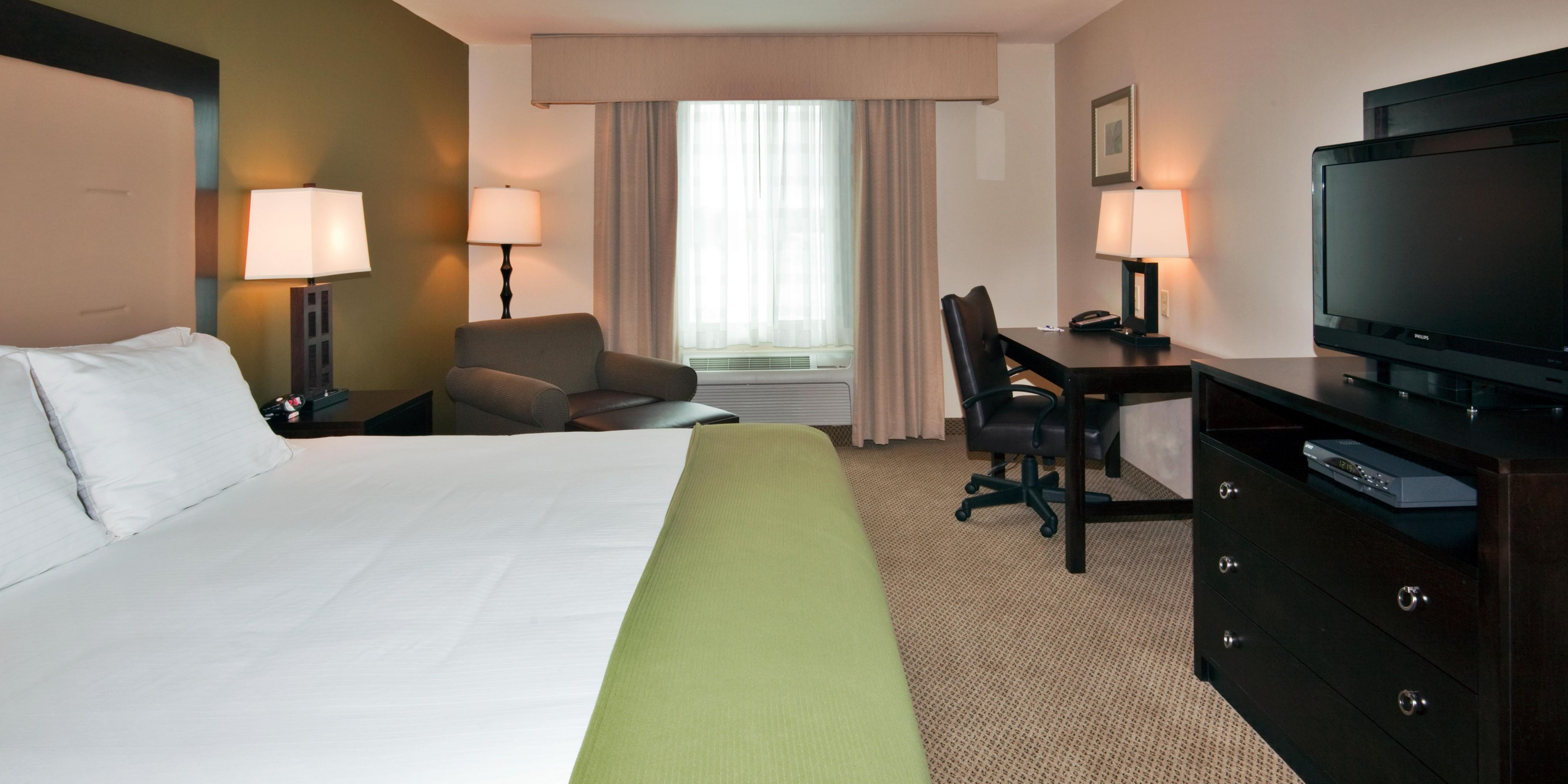 Holiday Inn Express & Suites Dewitt Syracuse Hotel by IHG