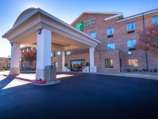 Holiday Inn Express & Suites Edmond in Guthrie, Oklahoma