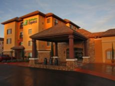 Holiday Inn Express & Suites El Dorado Hills in Elk Grove, California