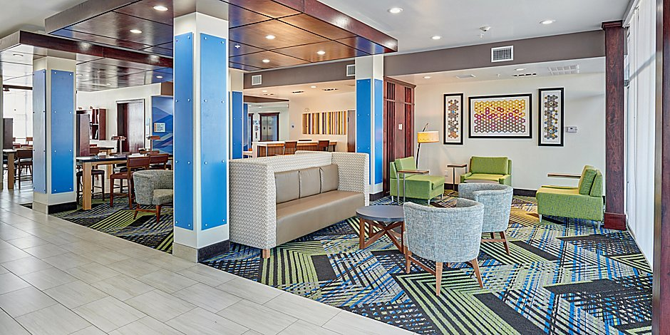 Holiday Inn Express & Suites El Paso East Hotel by IHG
