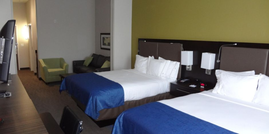 Hotel Exterior Holiday Inn Express Suites El Reno Guest Bathroom Standard Non Smoking Room Two Queen Beds Extented
