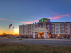 Holiday Inn Express & Suites Elk City in Clinton, Oklahoma