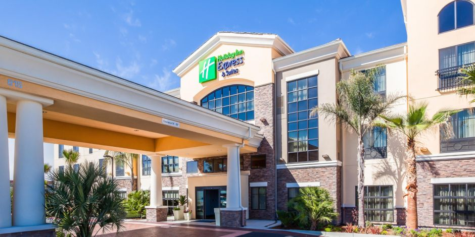 Welcome To The Holiday Inn Express Suites Eureka Ca