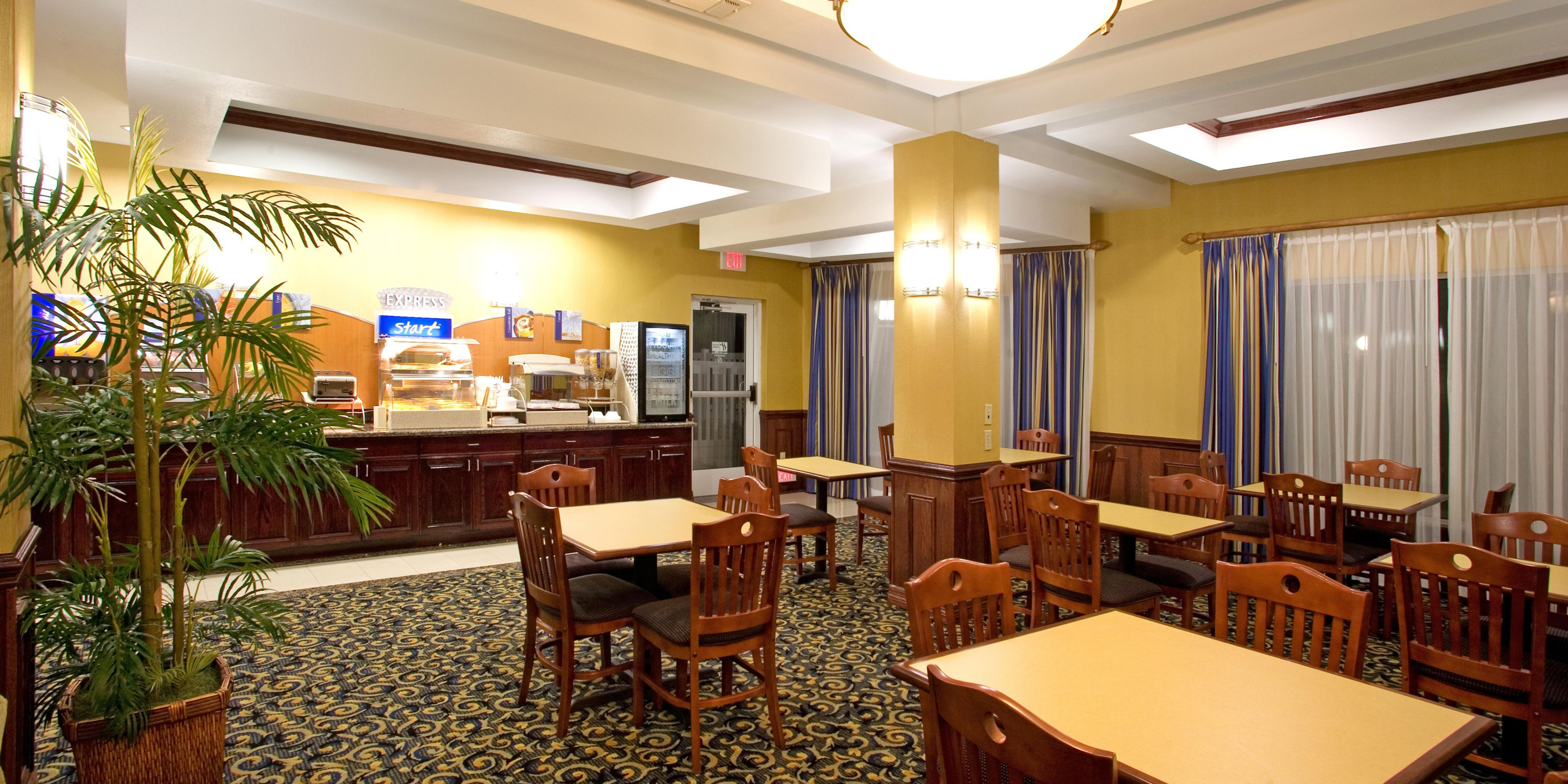 Holiday Inn Express And Suites Falfurrias 4272397903 2x1