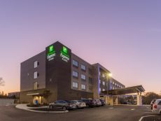 Holiday Inn Express & Suites Florence - Cincinnati Airport