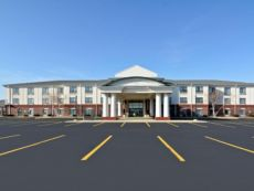 Holiday Inn Express & Suites Fort Atkinson in Janesville, Wisconsin