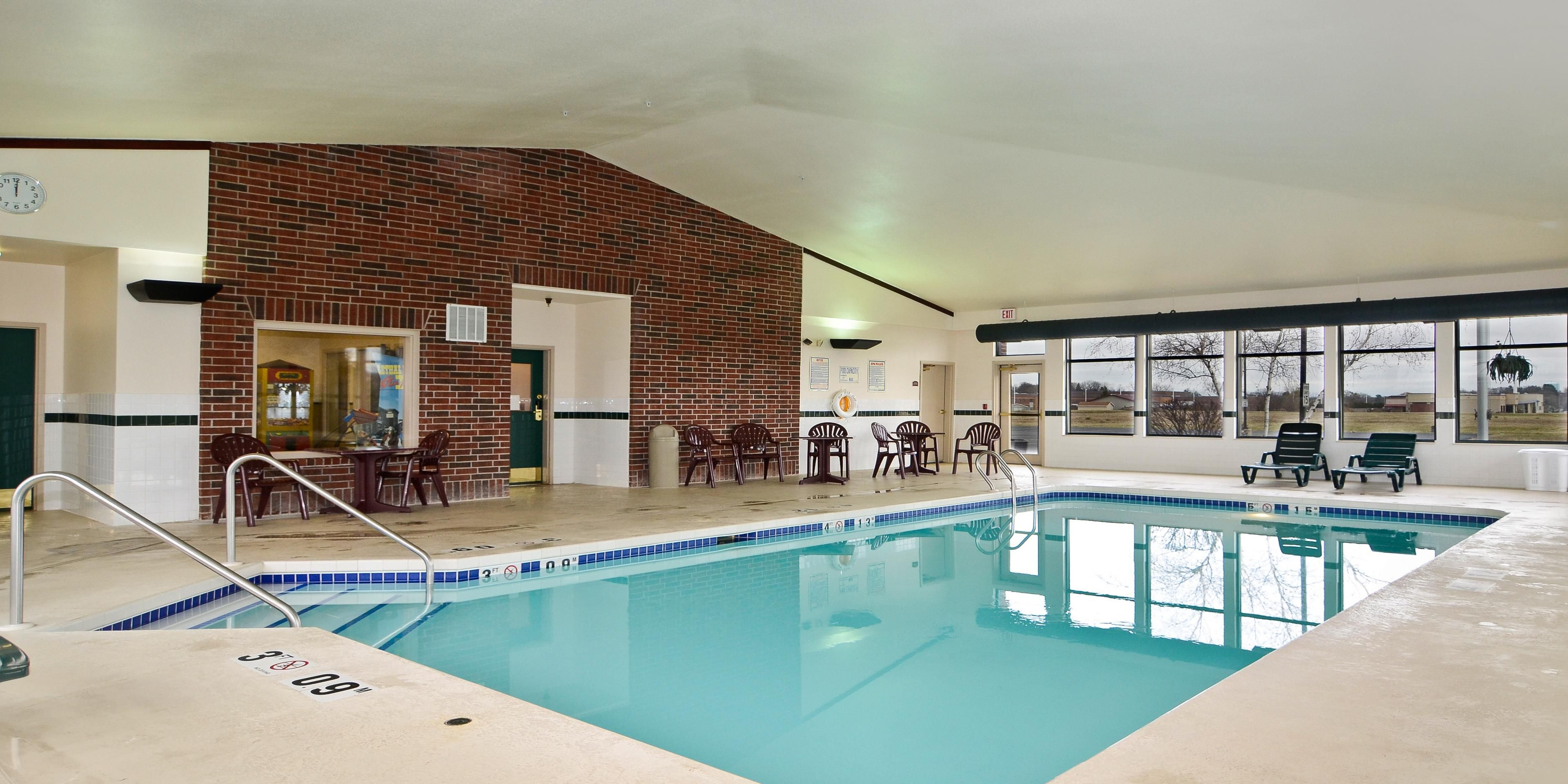 Holiday Inn Express And Suites Fort Atkinson 3512188808