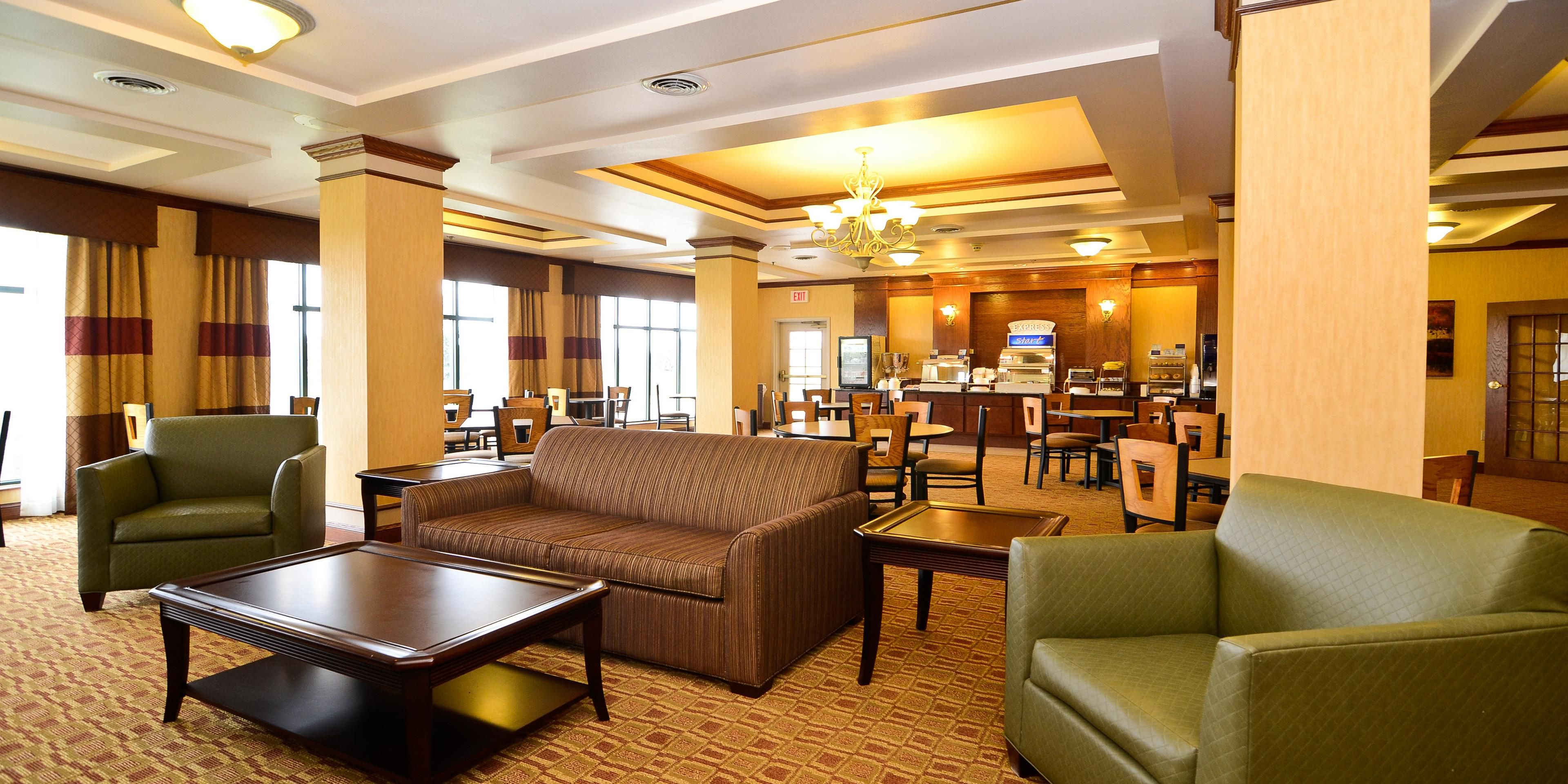 Holiday Inn Express And Suites Fort Atkinson 3512679250