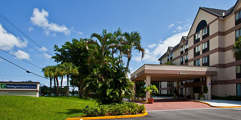 Fort Lauderdale Hotels | Holiday Inn Express & Suites Ft