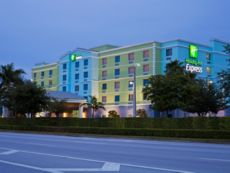 Holiday Inn Express & Suites Ft. Lauderdale Airport/Cruise in Hollywood, Florida