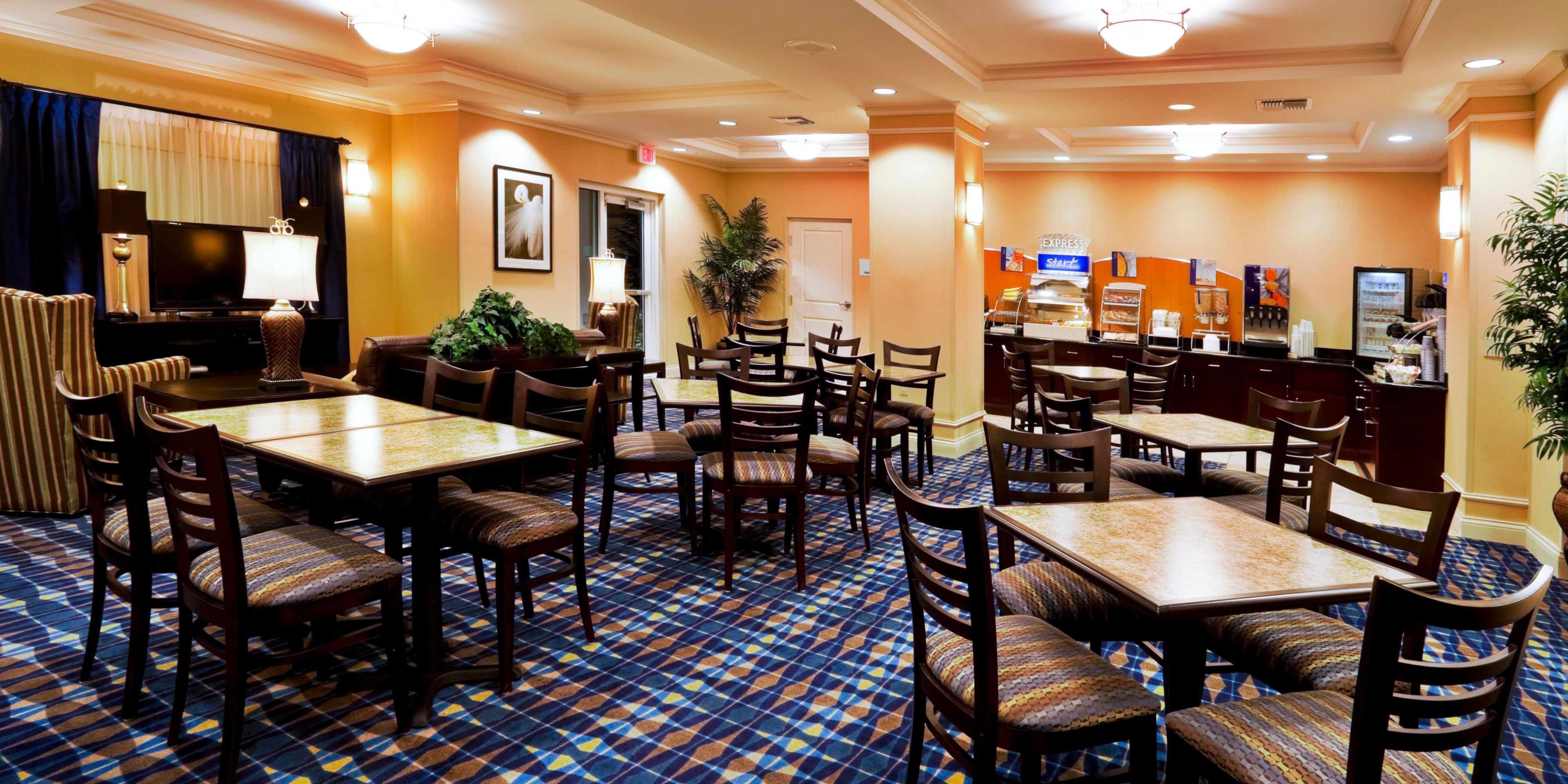 Holiday Inn Express And Suites Fort Pierce 2532011008