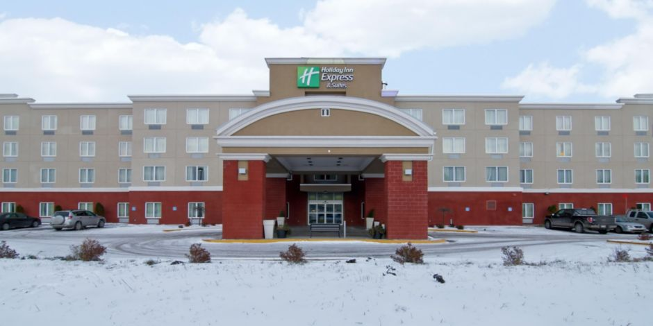 Holiday Inn Express Suites Fort Saskatchewan