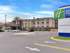 Holiday Inn Express & Suites Fort Walton Beach Northwest in Miramar Beach, Florida