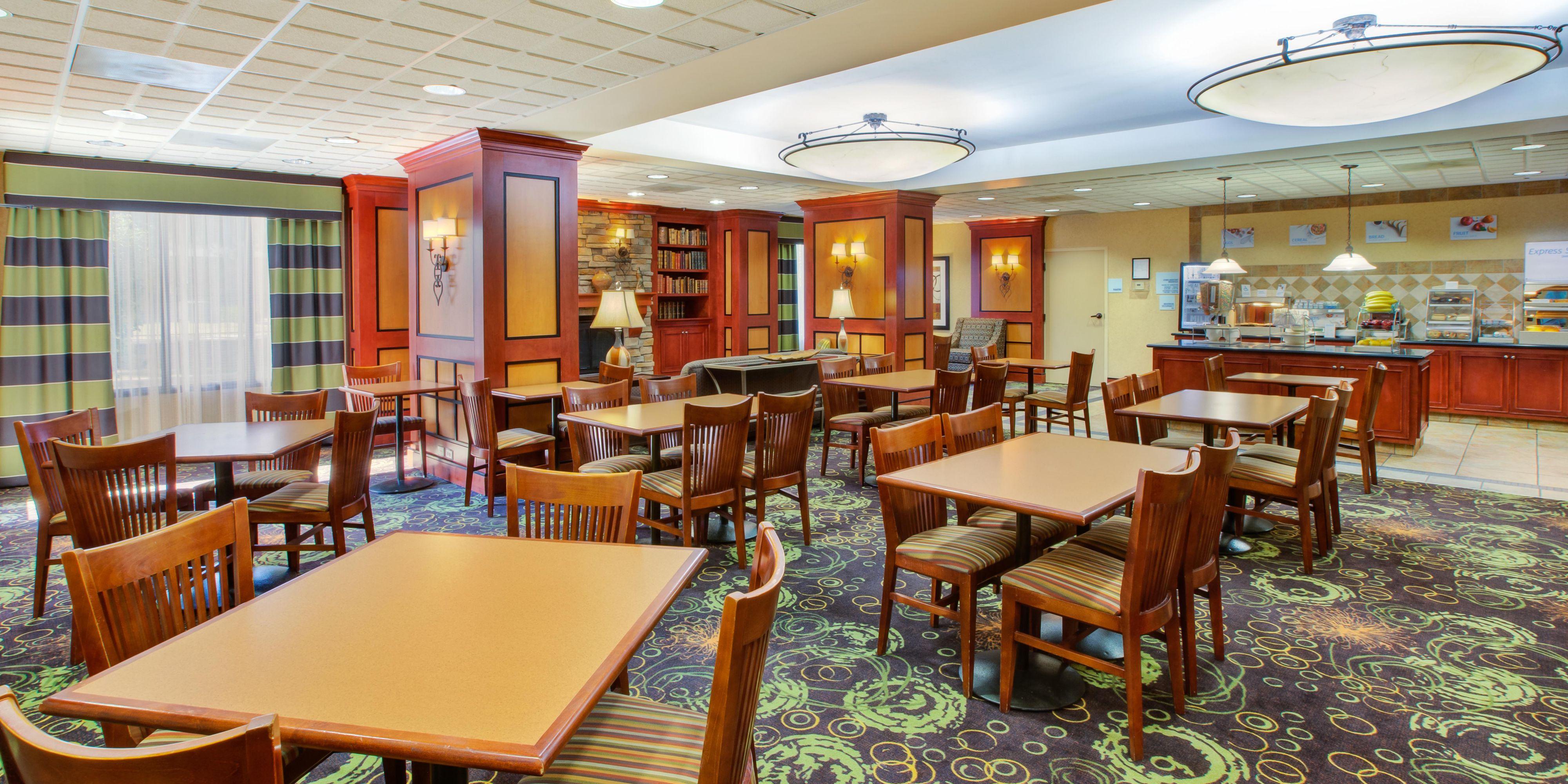 Holiday Inn Express & Suites Fort Wayne Hotel in Fort Wayne by IHG