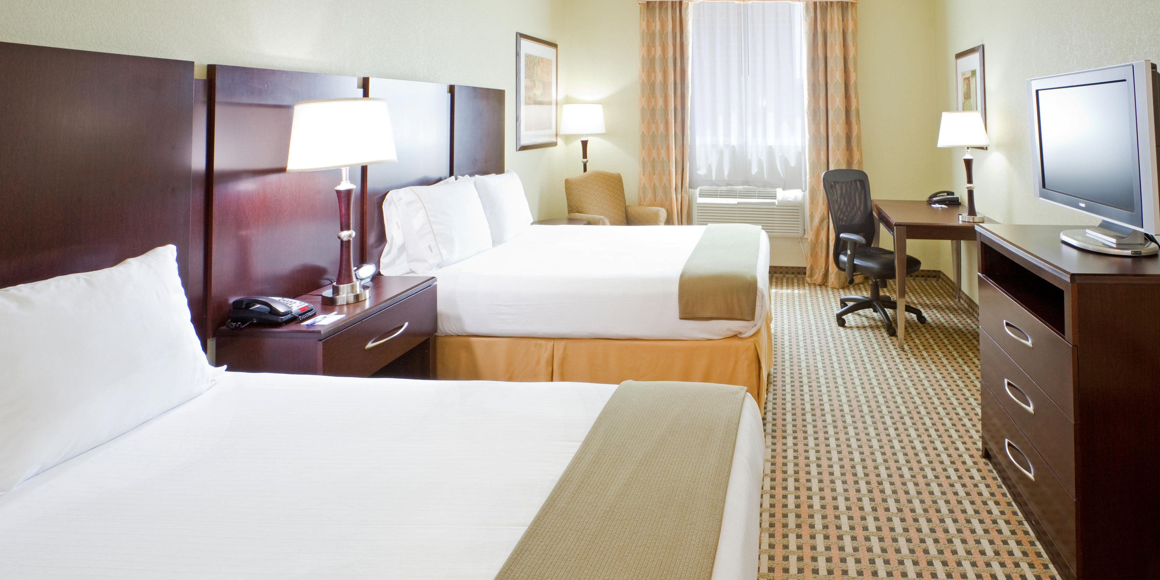 holiday inn express & suites fort worth i-35 western center hotel