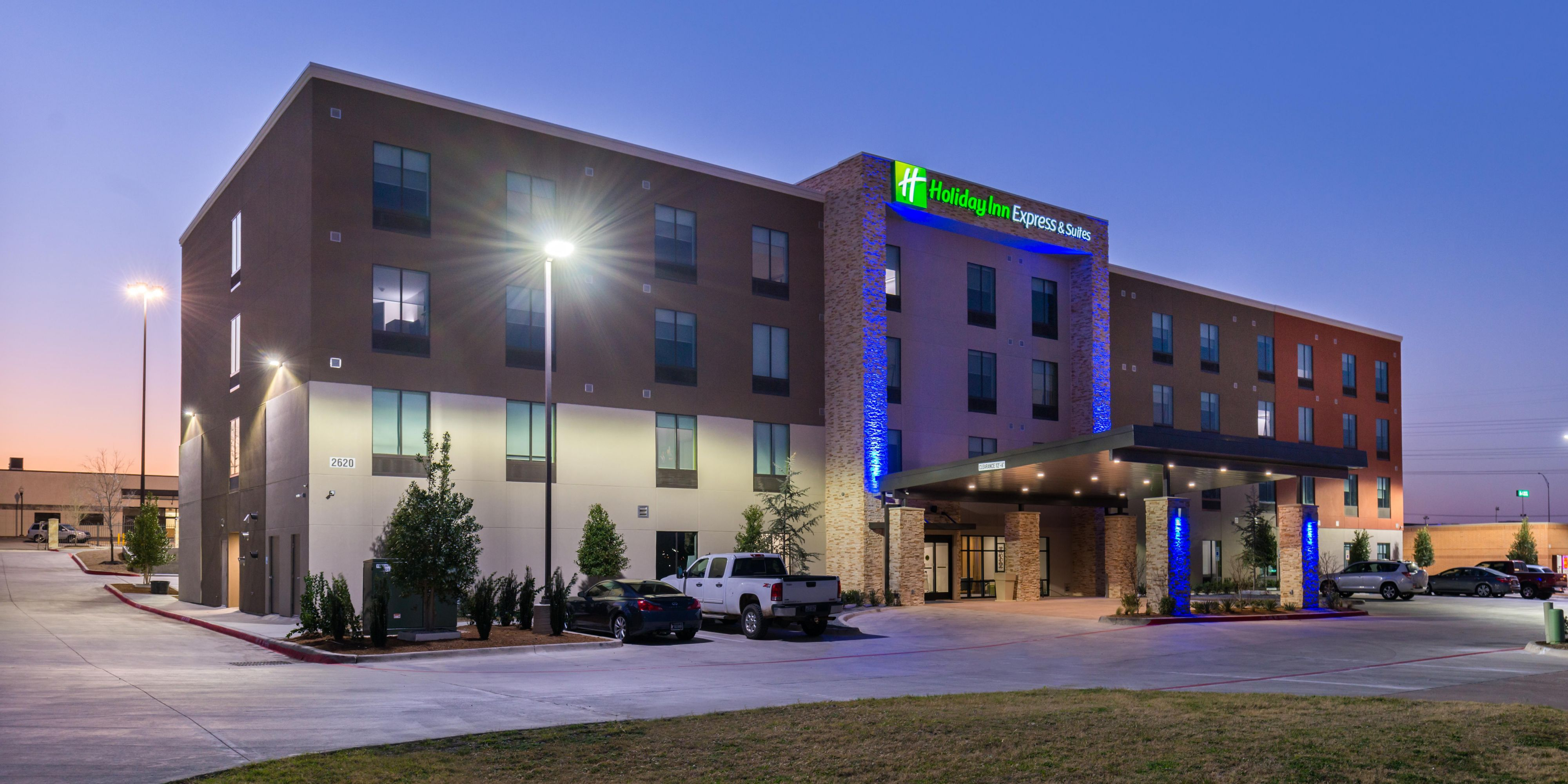 Holiday Inn Express And Suites Fort Worth 4370355376