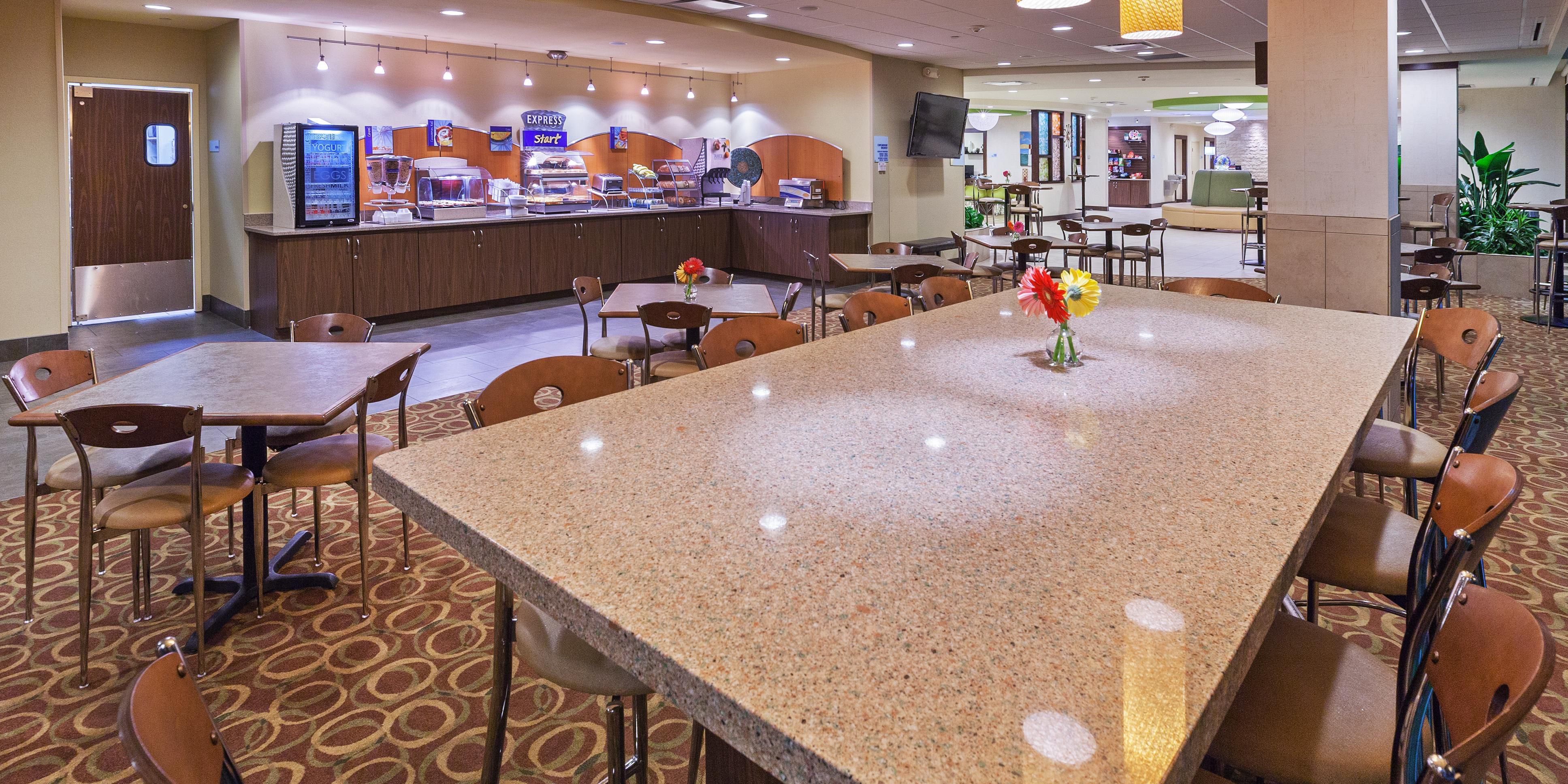 Holiday inn express and suites fort worth 5016721190