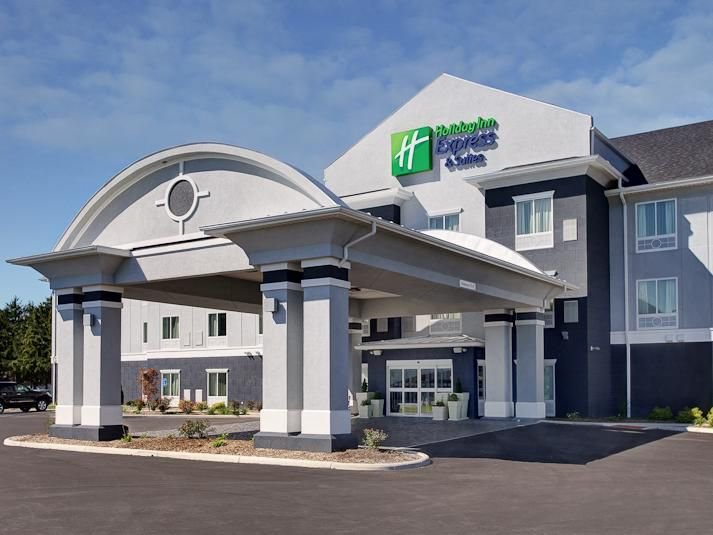 Holiday Inn Express & Suites North Fremont