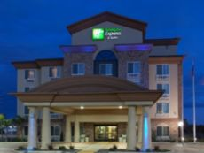 Holiday Inn Express & Suites Fresno South in Selma, California