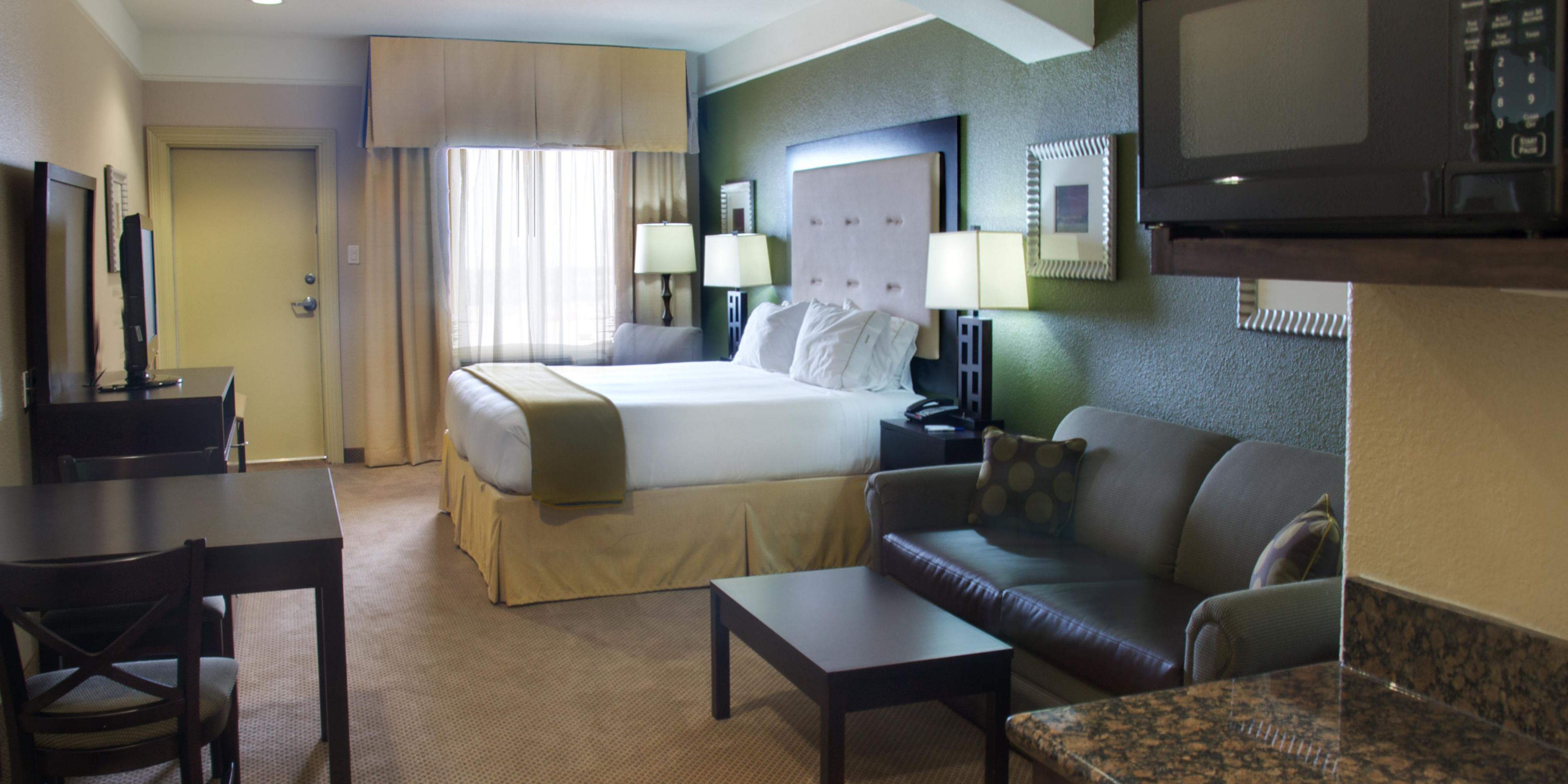 Holiday Inn Express And Suites Galveston 2532815818 2x1