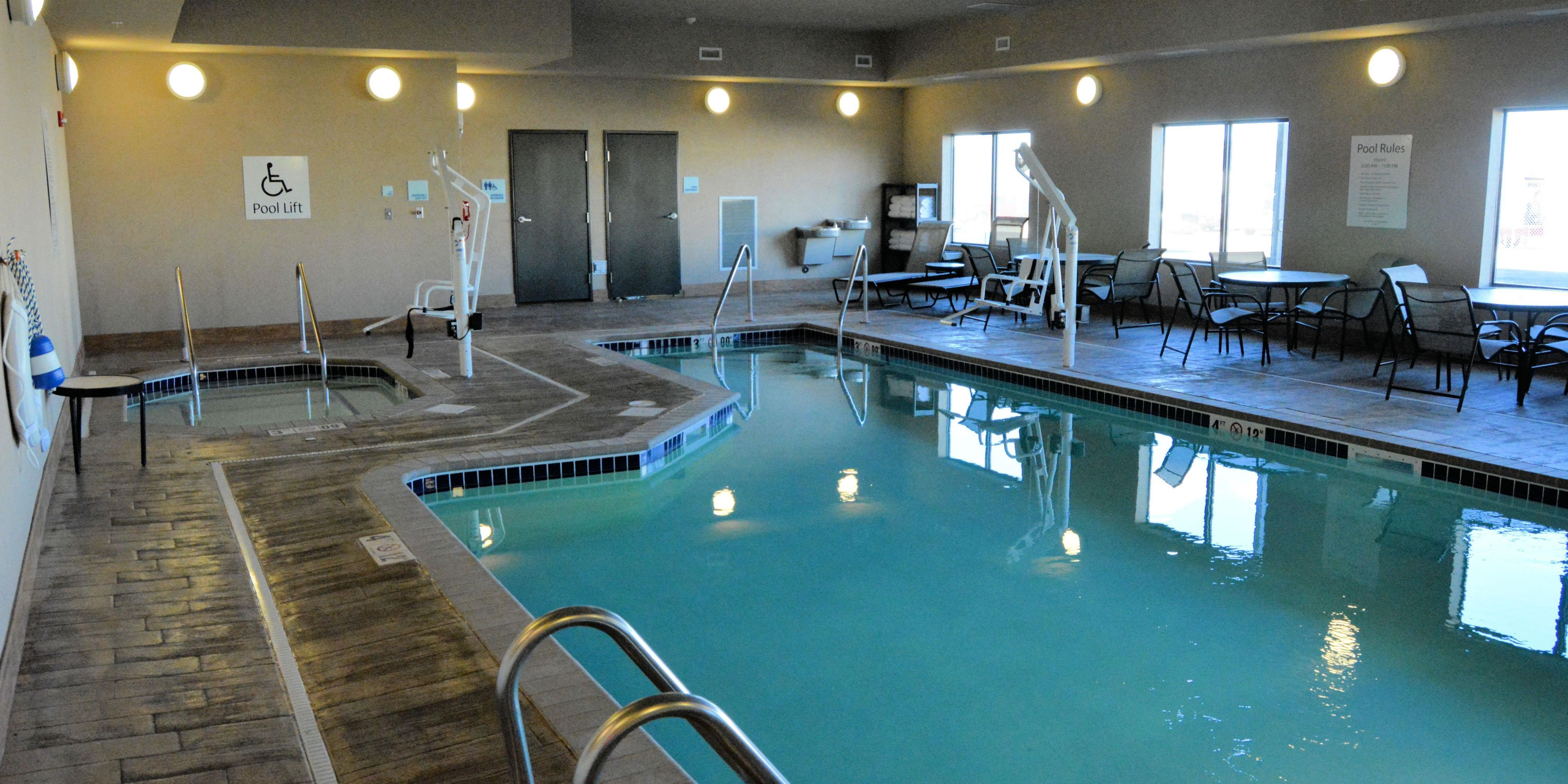 Holiday Inn Express And Suites Glendive 2626289327 2x1
