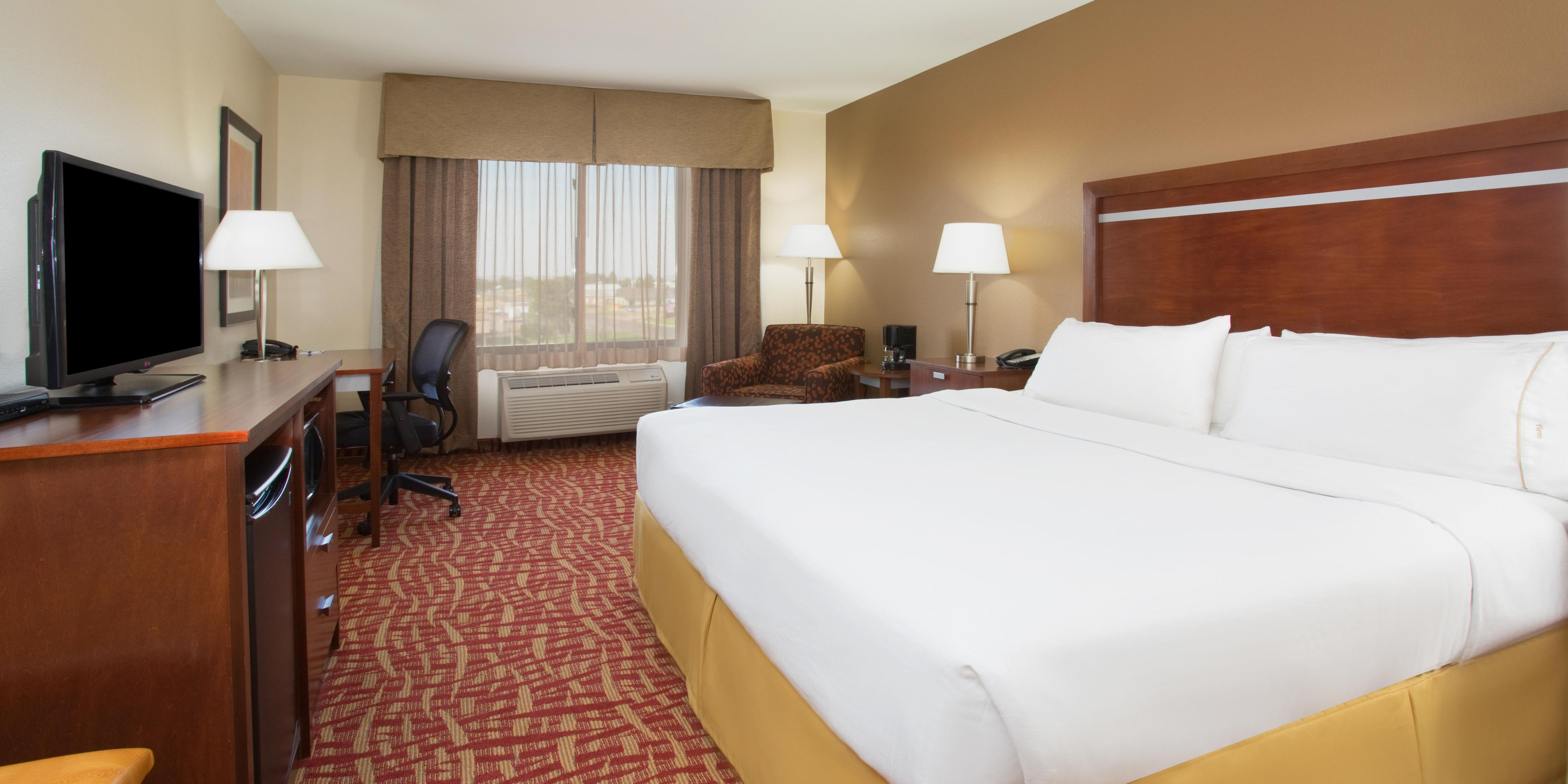 Holiday Inn Express And Suites Glendive 4143186221 2x1