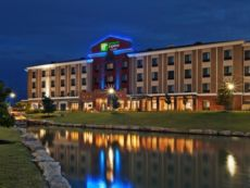 Holiday Inn Express & Suites Glenpool-Tulsa South in Broken Arrow, Oklahoma