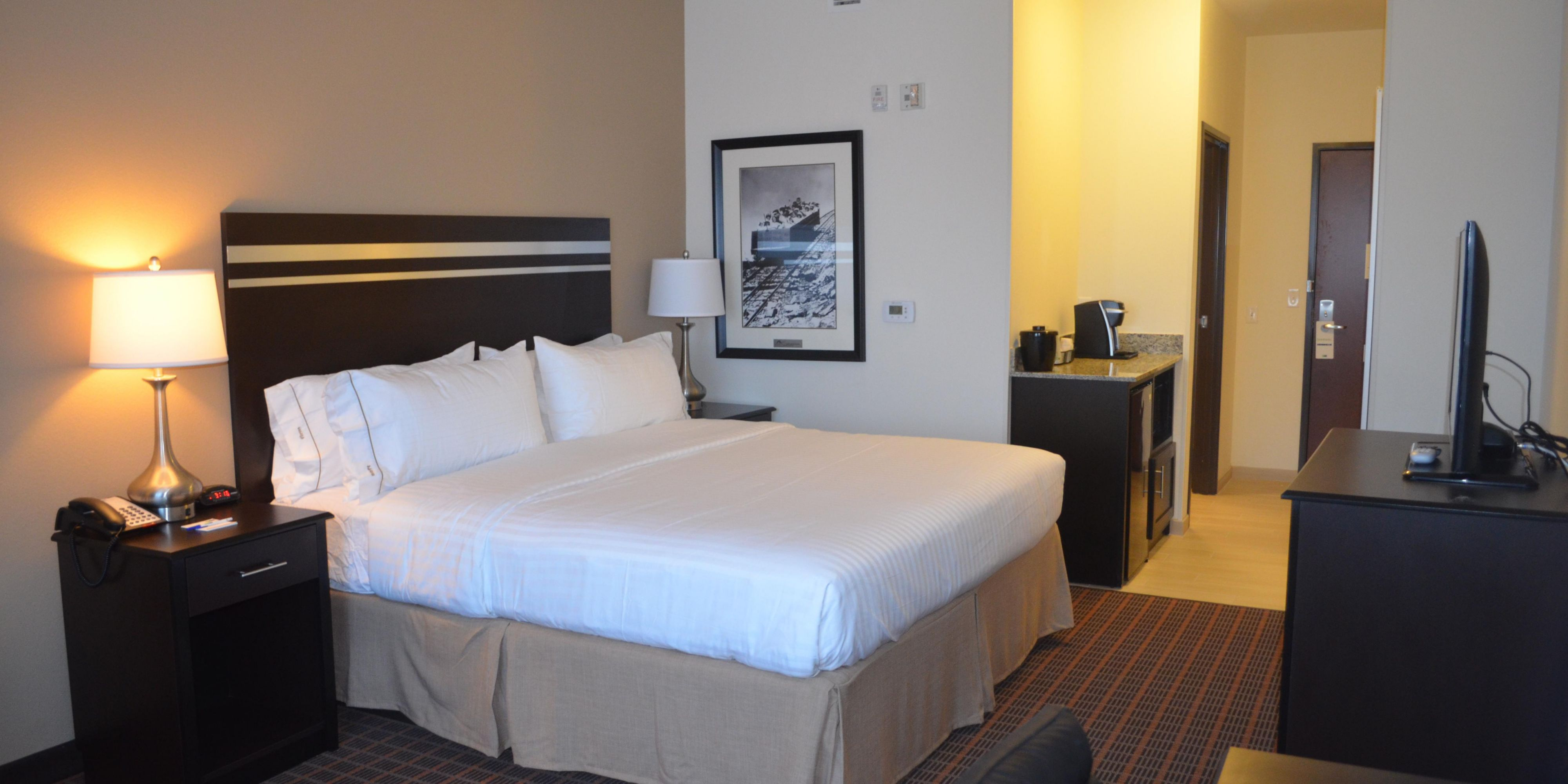 Holiday Inn Express And Suites Golden 4175539927 2x1