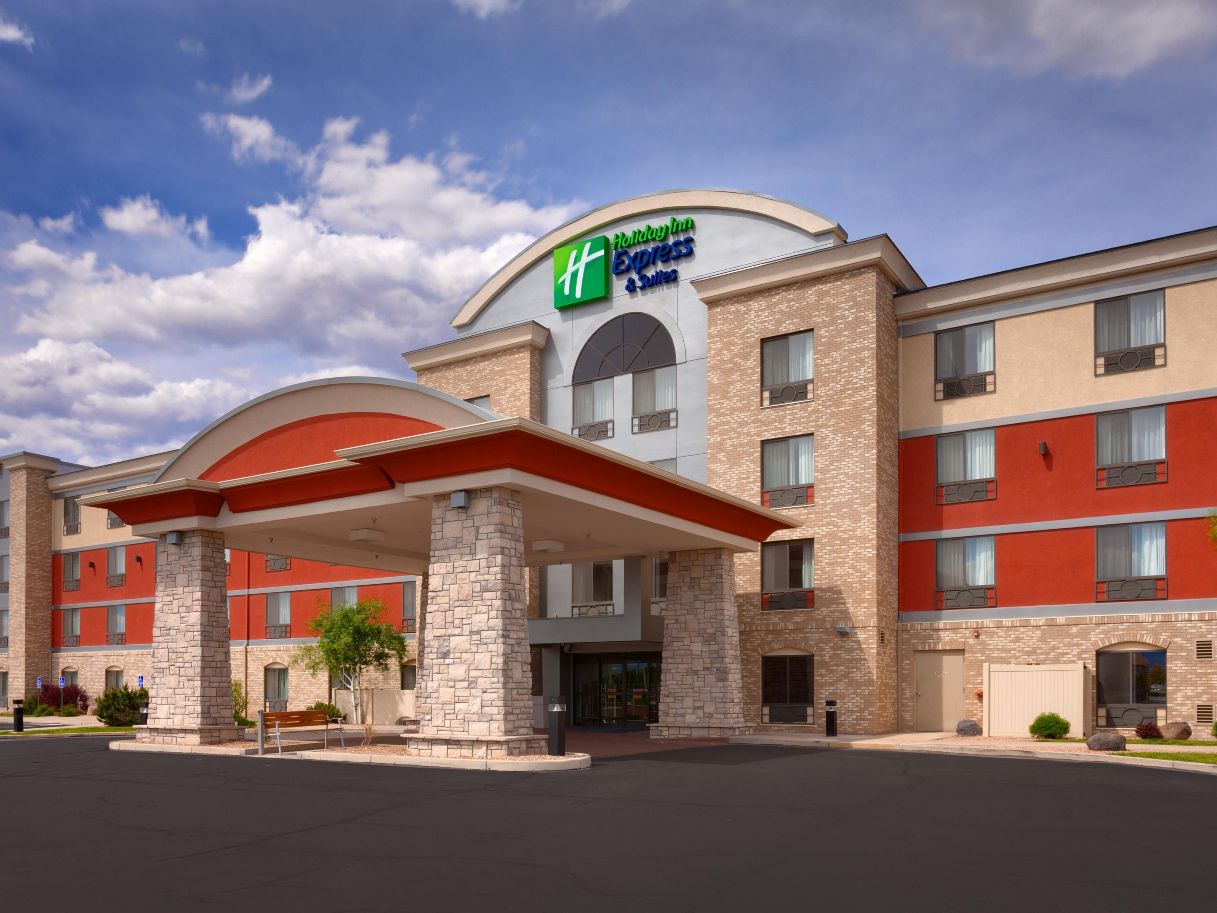 Welcome to the Holiday Inn Express Grand Junction, CO