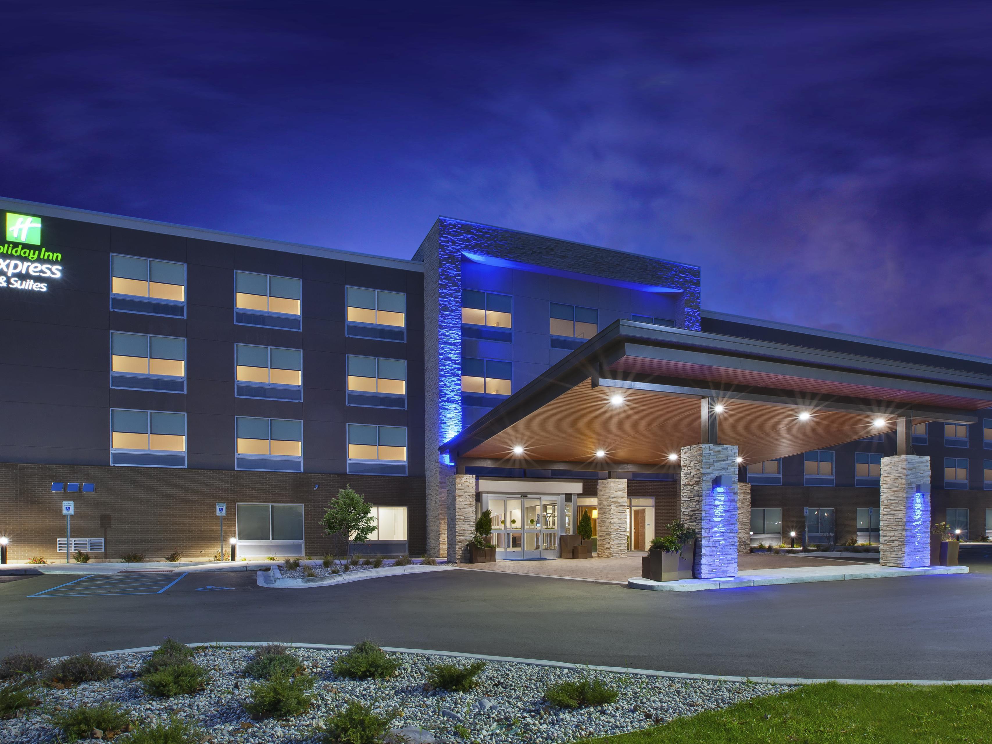 Enjoyable Holiday Inn Express Walker Hotels Budget Hotels In Walker Download Free Architecture Designs Viewormadebymaigaardcom