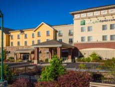 Holiday Inn Express & Suites Gold Miners Inn-Grass Valley in Grass Valley, California
