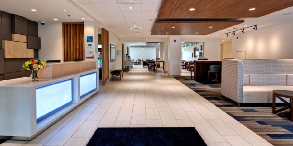 Holiday Inn Express Suites Great Bend Ihg Hotel