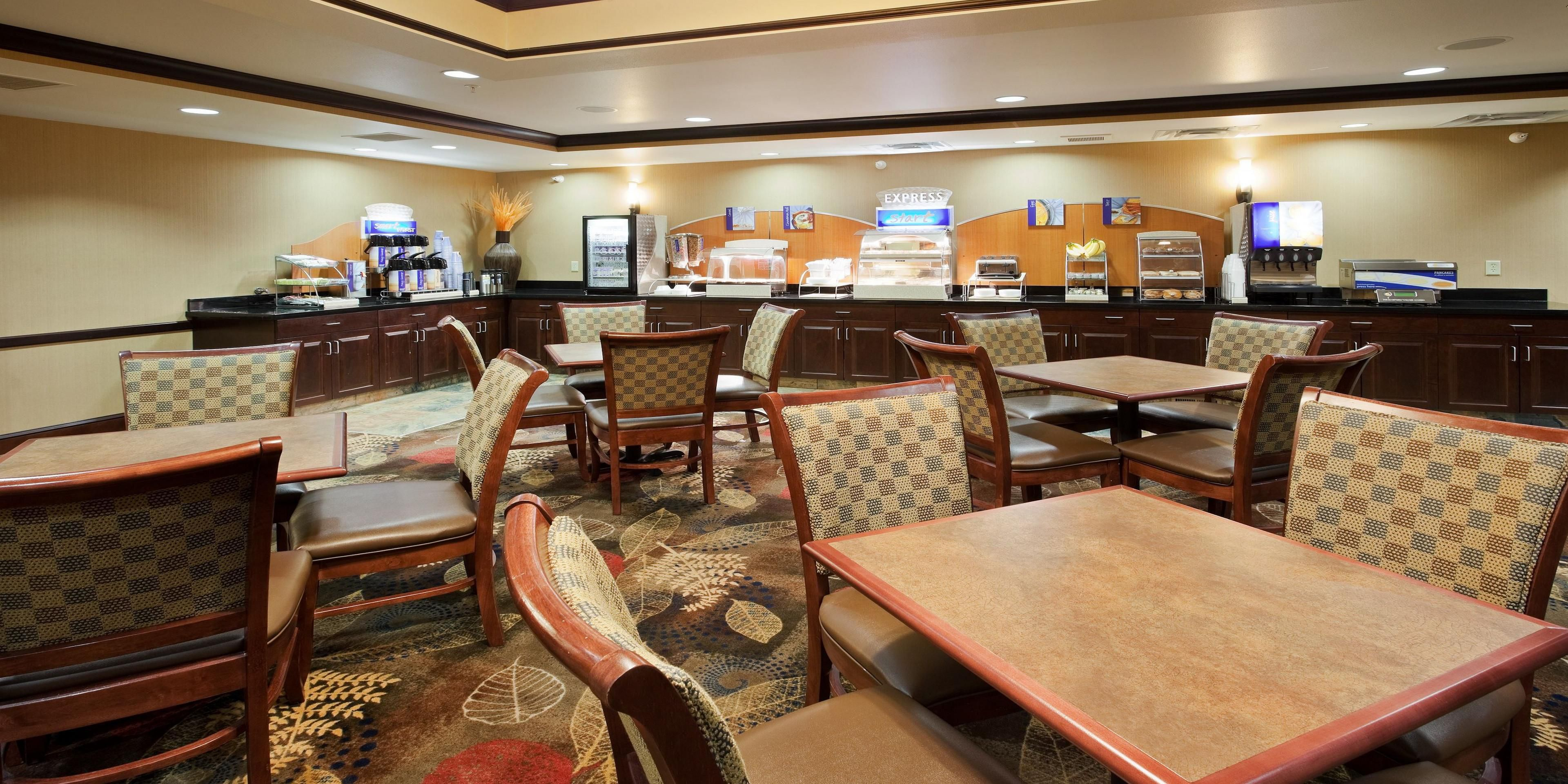 Holiday Inn Express & Suites Great Falls Hotel by IHG