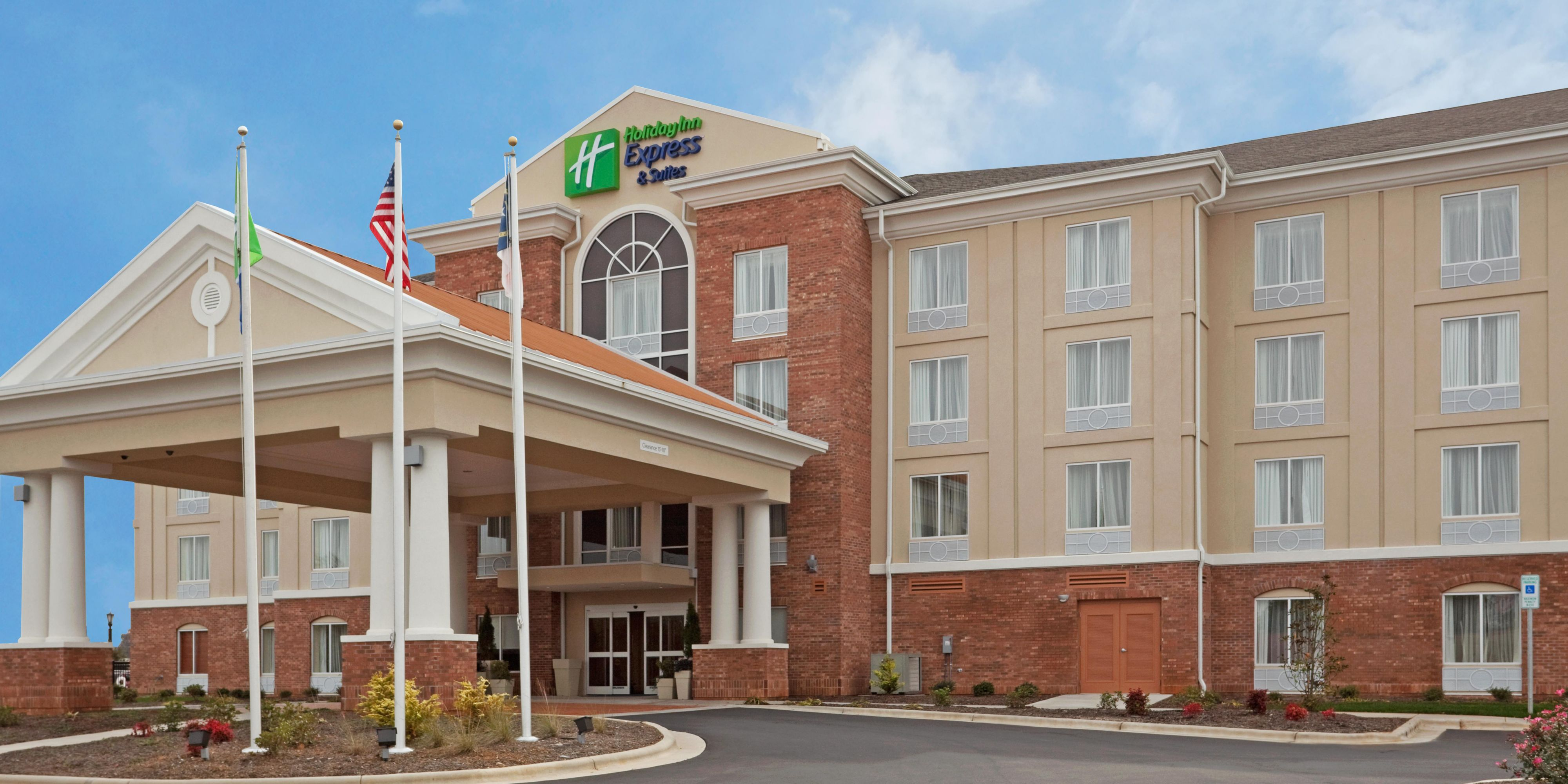 holiday-inn-express-and-suites-greensboro-4271039711-2x1