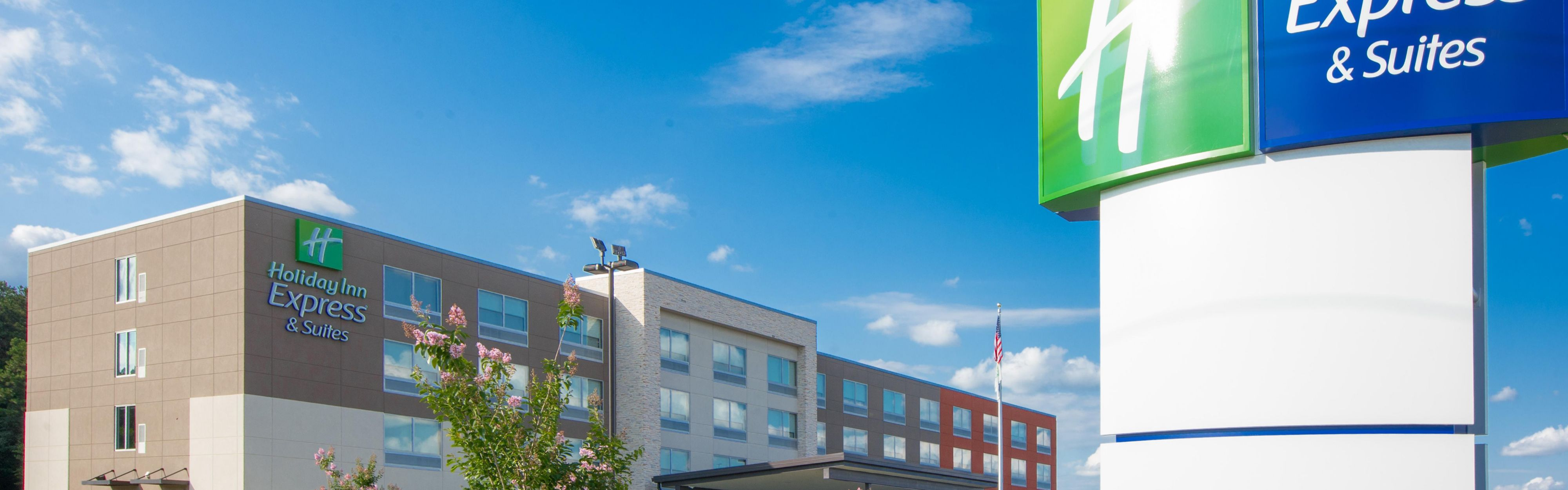 Interesting Hotel Exterior With Hotels Near Greenwood Indiana