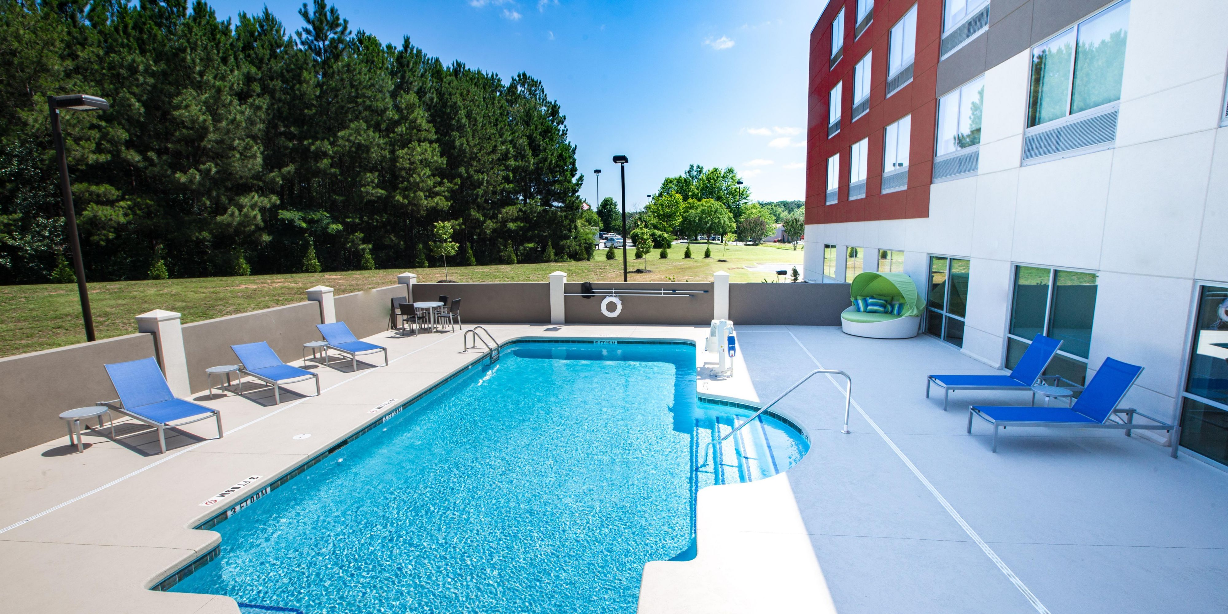 Holiday Inn Express & Suites Greenwood Mall Hotel by IHG