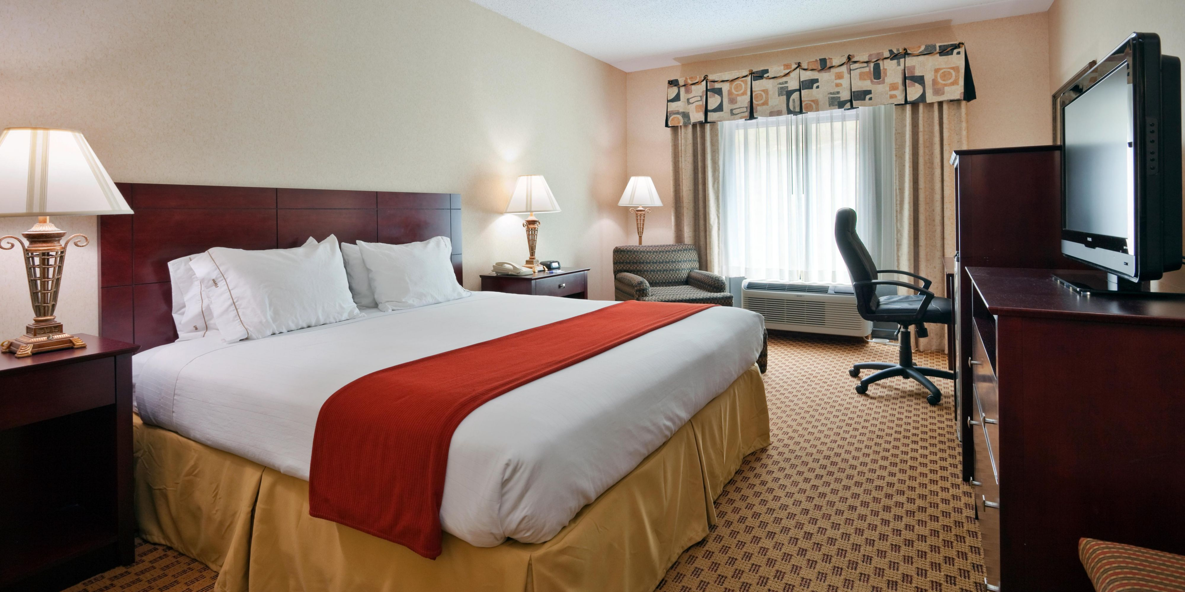 Holiday Inn Express And Suites Harriman 2533097446 2x1