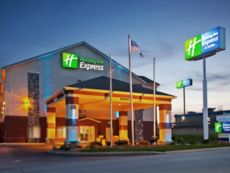 Holiday Inn Express & Suites Harrison in Fairfield, Ohio