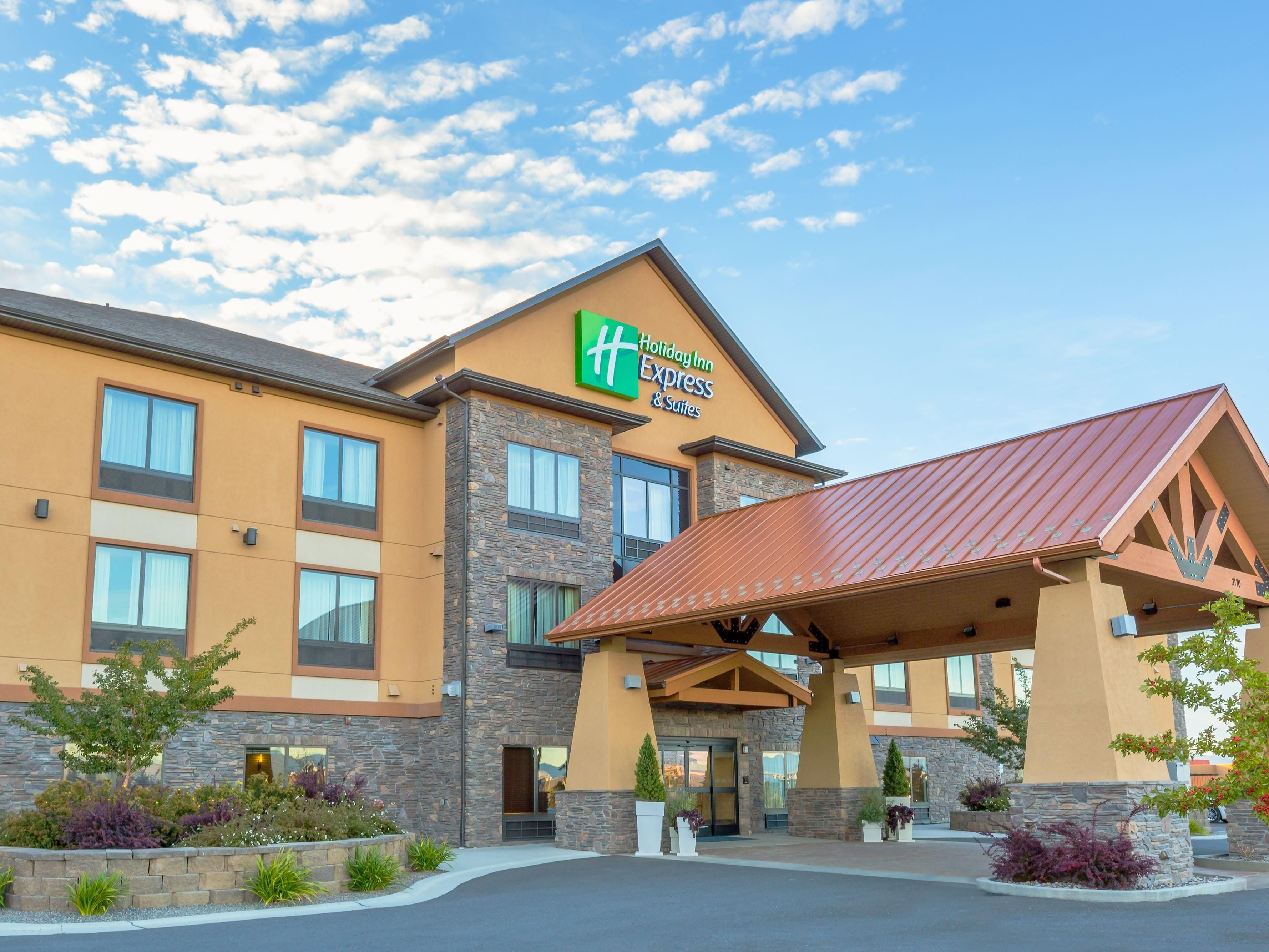 Welcome to the Holiday Inn Express & Suites Helena!