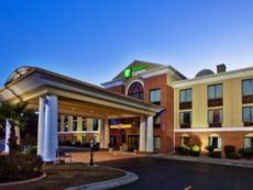 Holiday Inn Express & Suites Hinesville East - Fort Stewart in Richmond Hill, Georgia