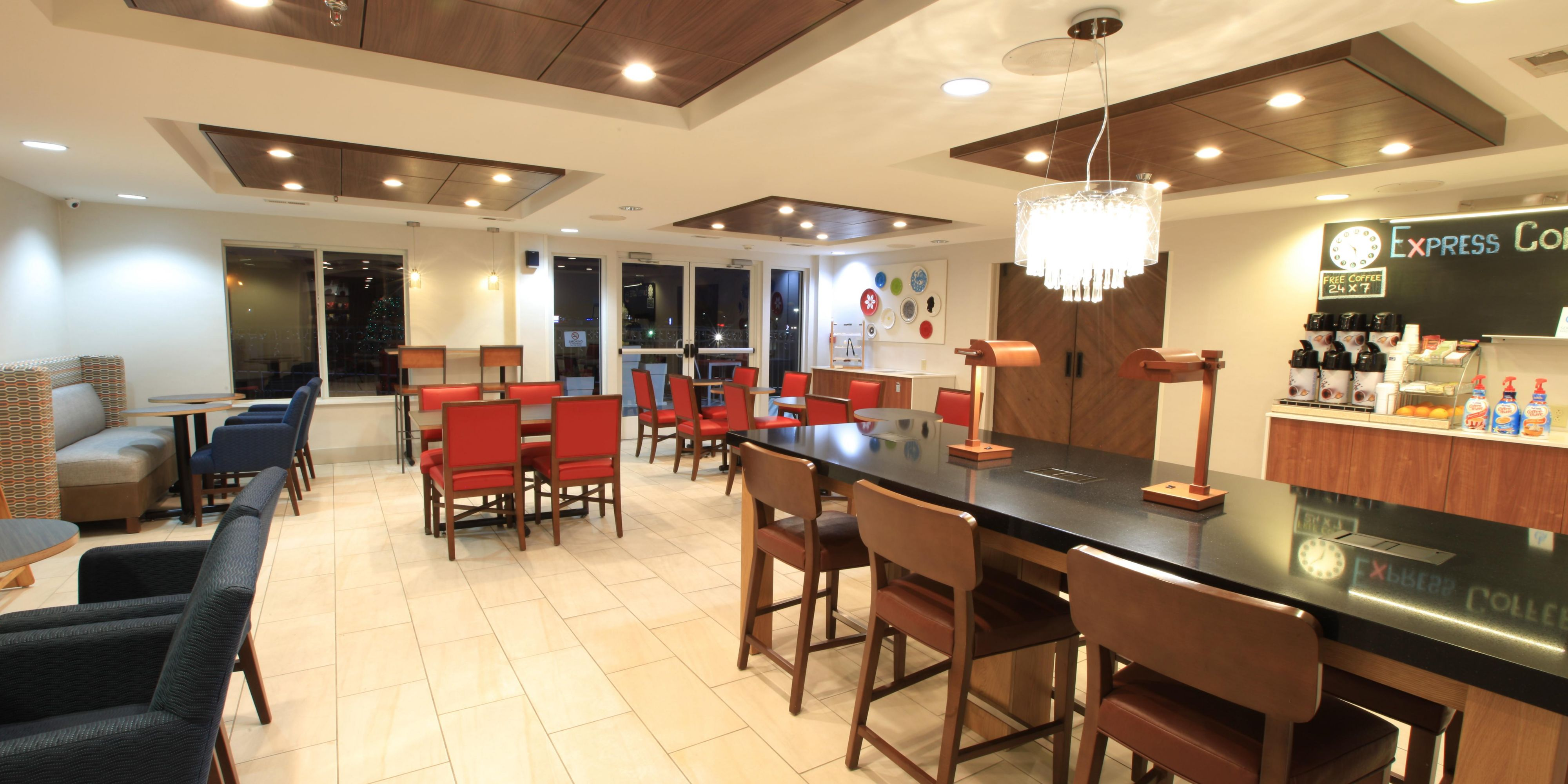 Holiday Inn Express And Suites Hixson 5337387472 2x1