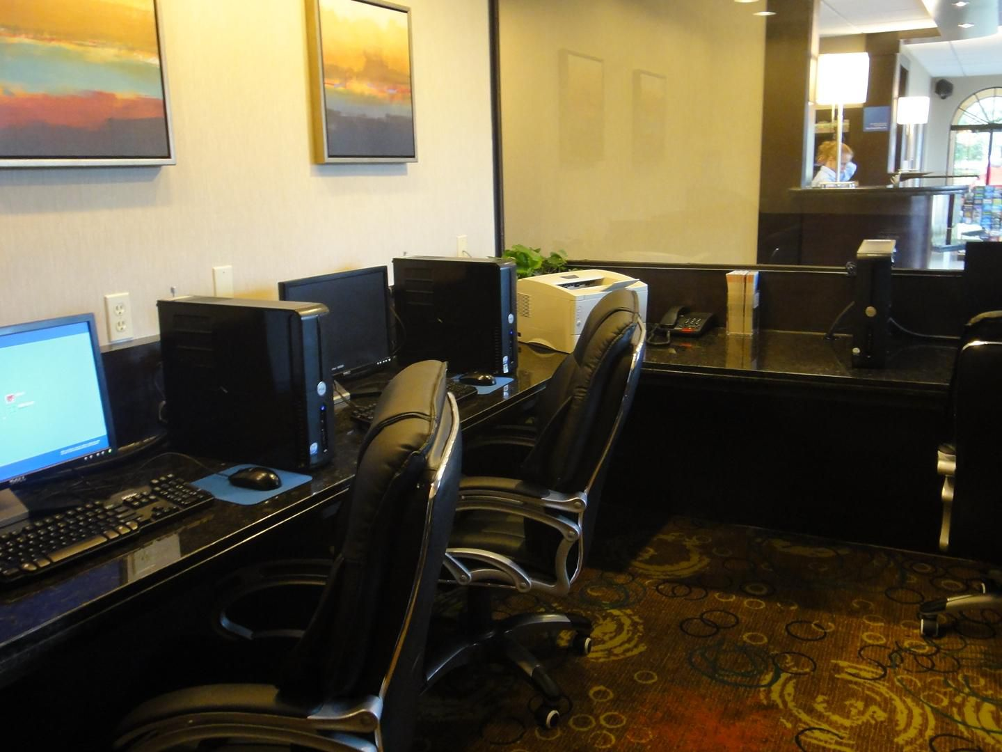Houston Airport Hotel Free 24 Hour Business Center