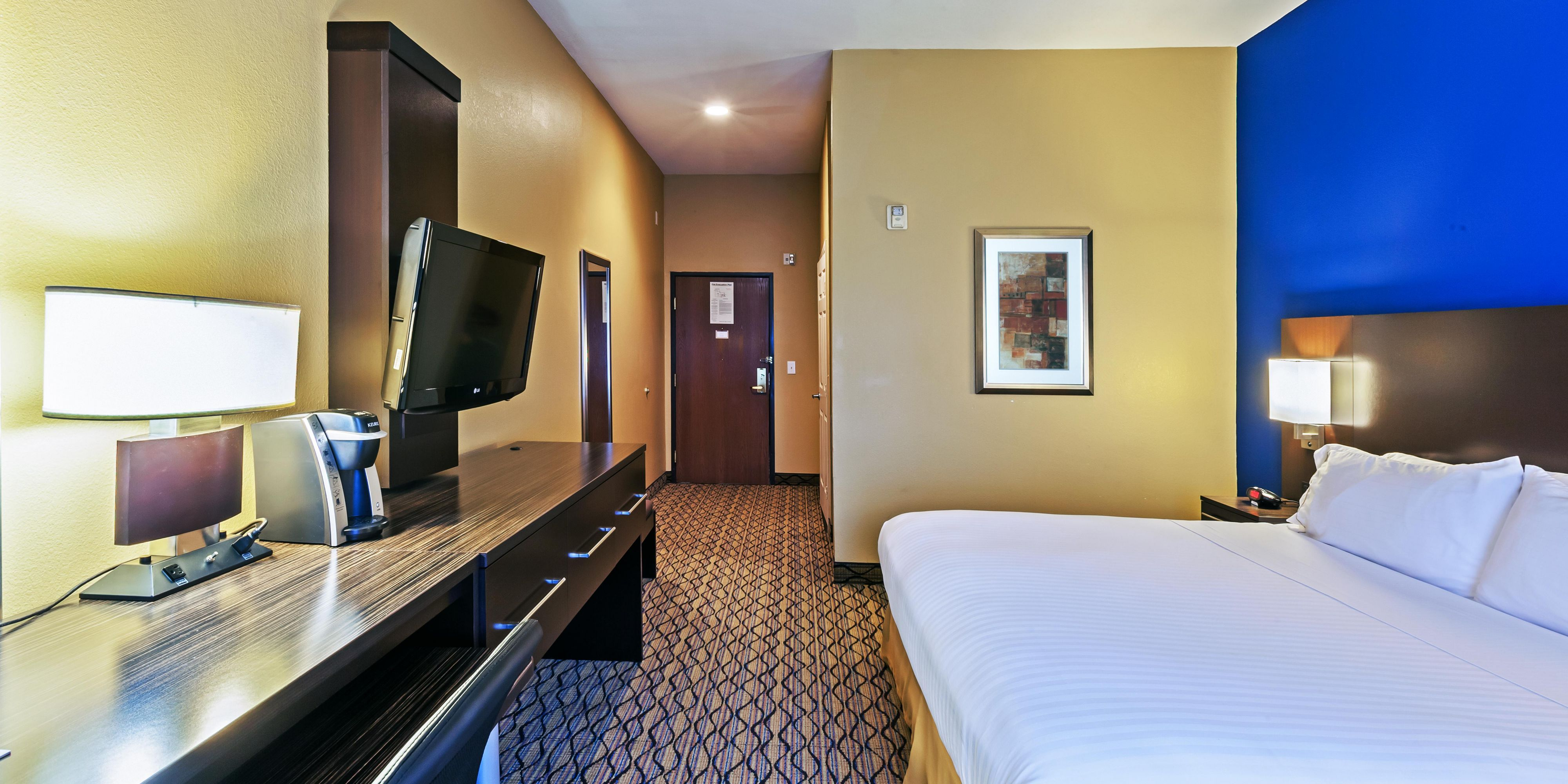 Holiday Inn Express And Suites Houston 4950320100 2x1