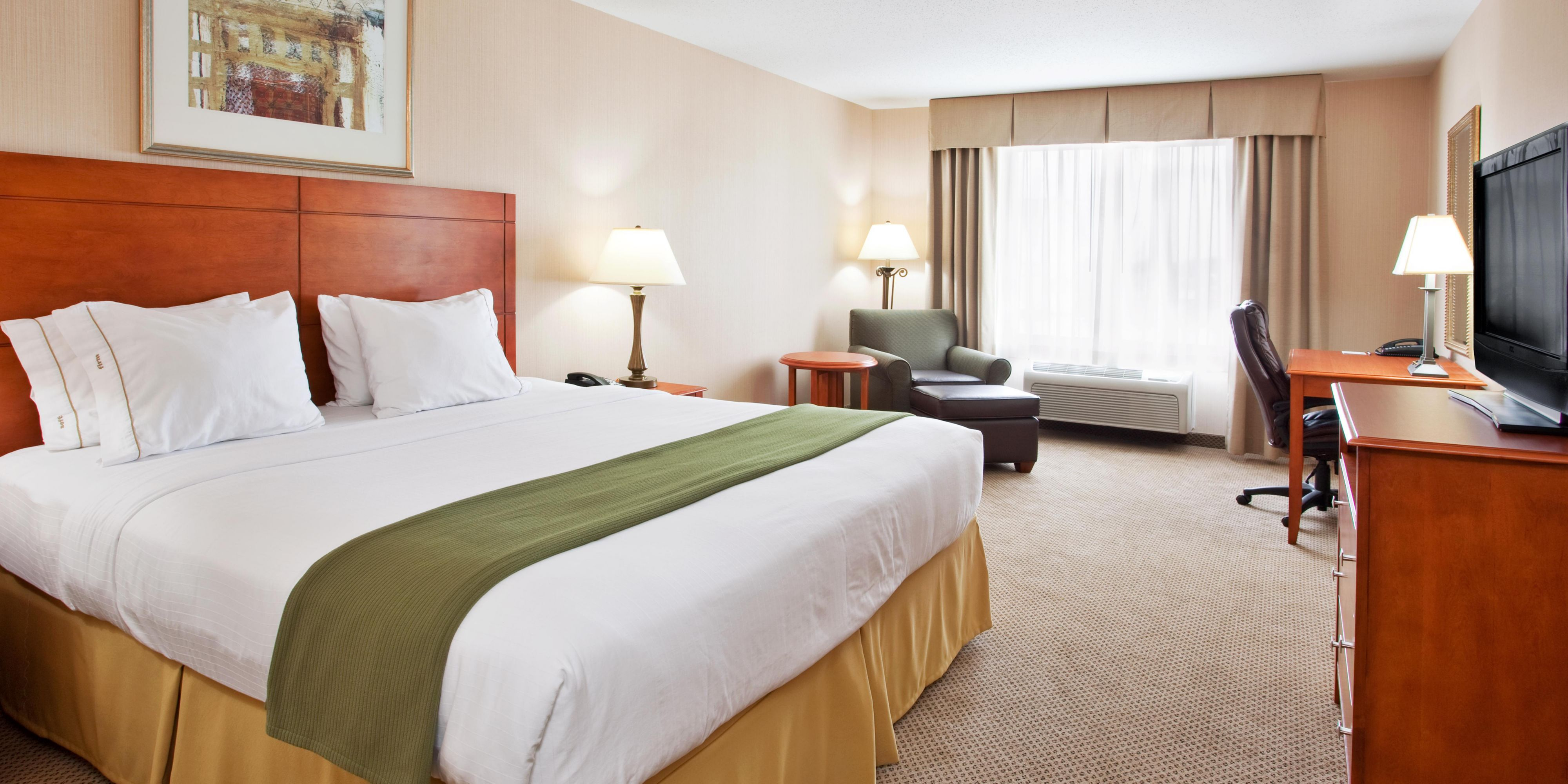 Holiday Inn Express & Suites Howell Hotel by IHG