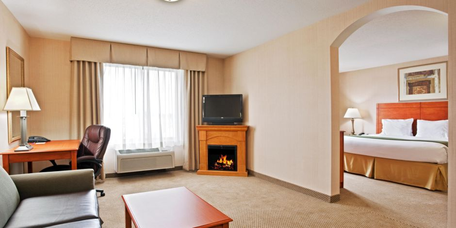Holiday Inn Express Suites Howell