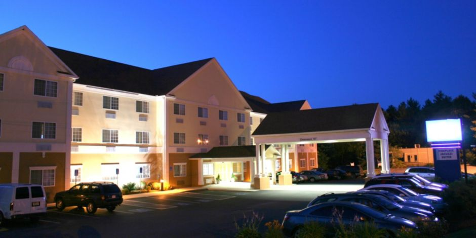 Front Desk Hotel Exterior At Night