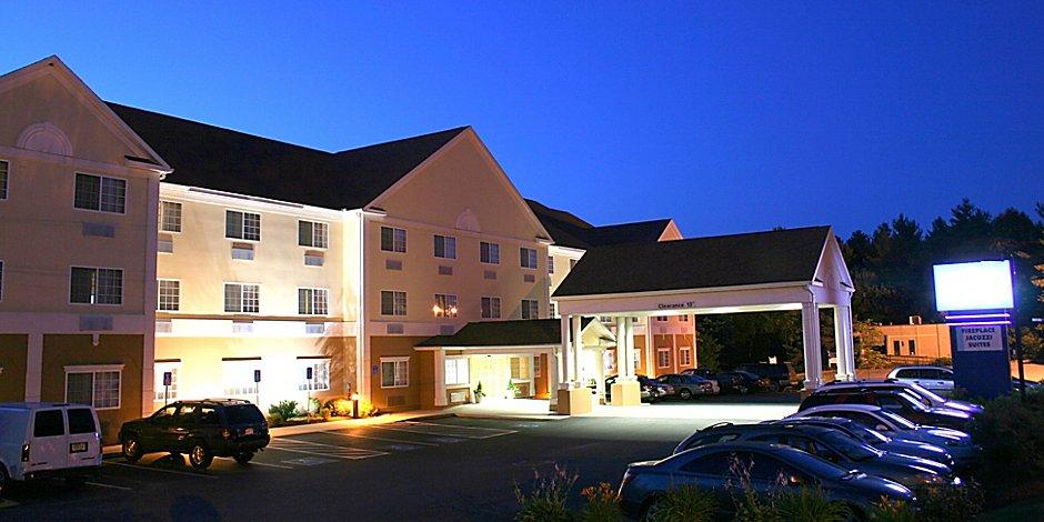 Holiday Inn Express & Suites Boston - Marlboro Hotel by IHG