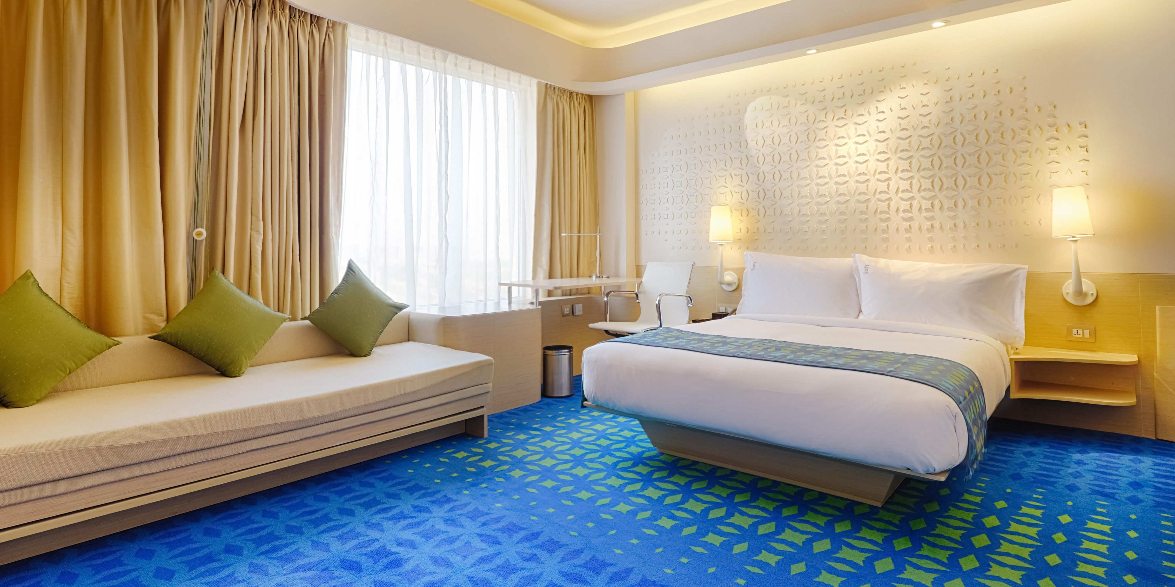 Holiday inn express and suites hyderabad 3670093794 2x1