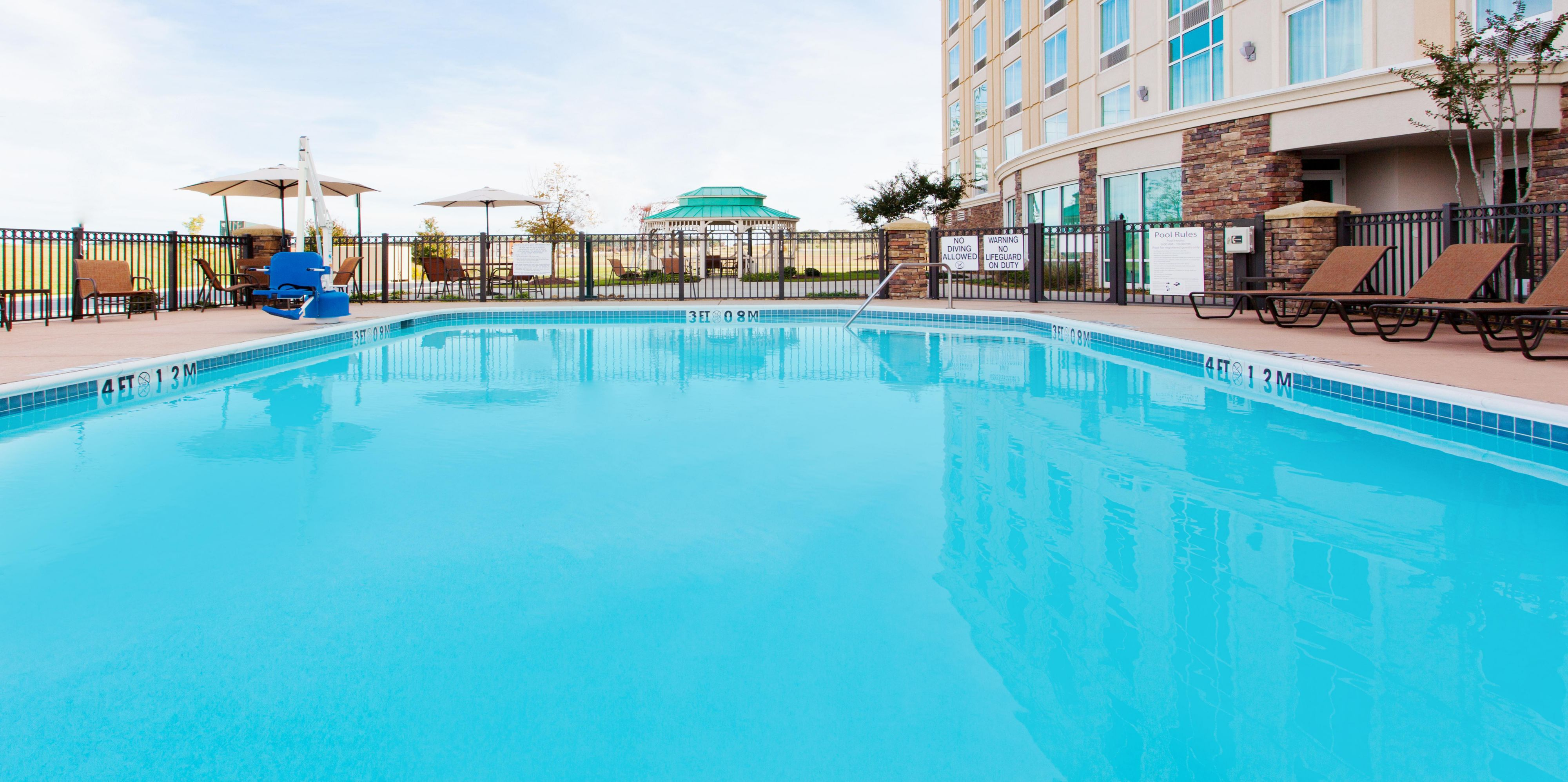 Holiday Inn Express And Suites Jackson 3522739164 2x1