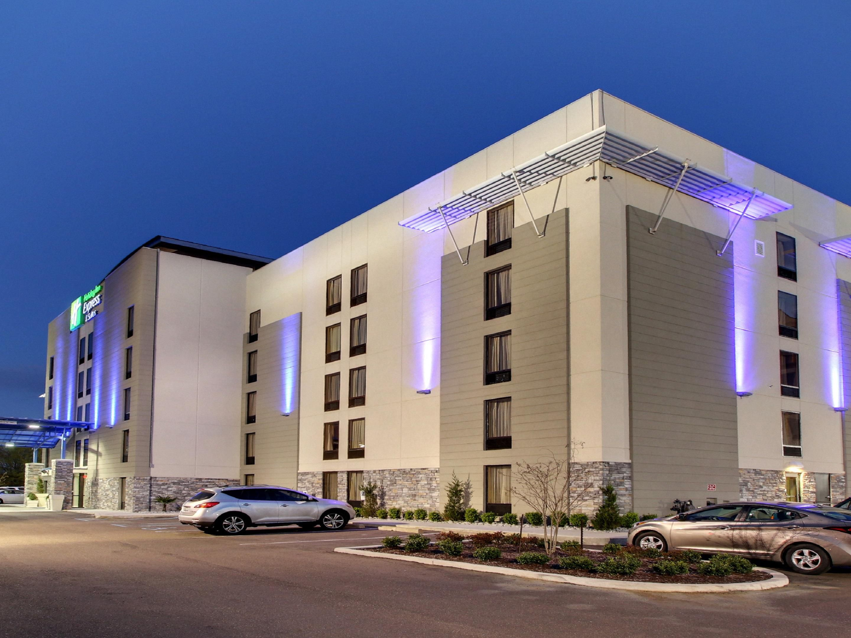 Holiday Inn Express & Suites Jackson Downtown - Coliseum ...
